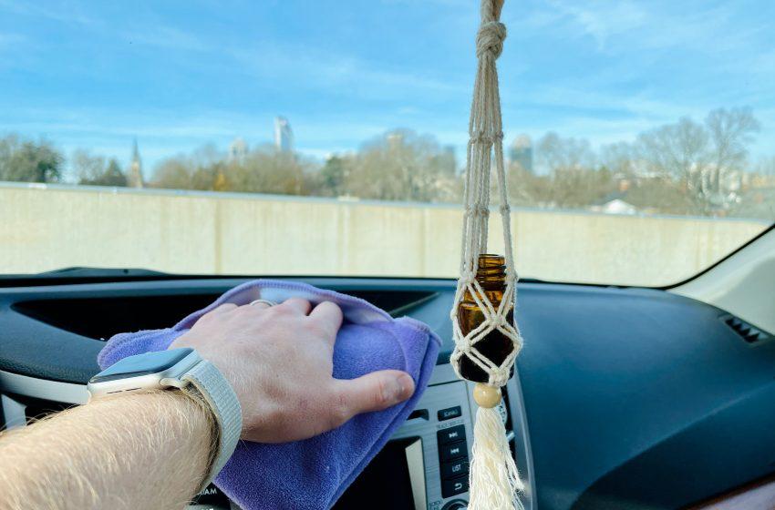 Hoe maak je het interieur van je auto schoon?